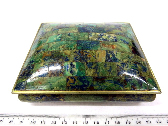 קופסת מתכת עם ציפוי ג'ייד מכסיקו