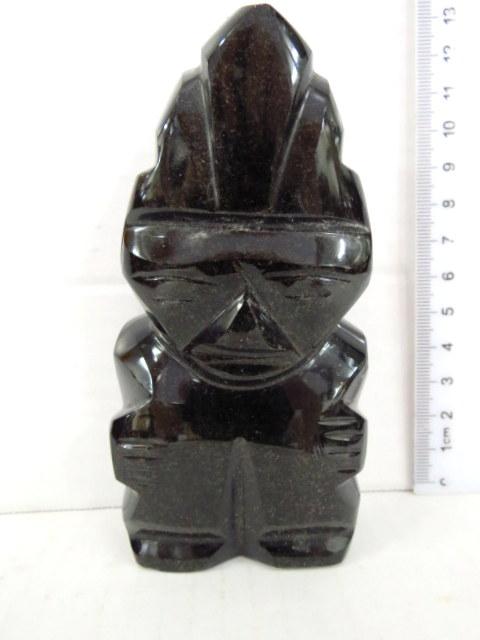 פיגורה עשויה מעין הנמר מגולף דרום אמריקה