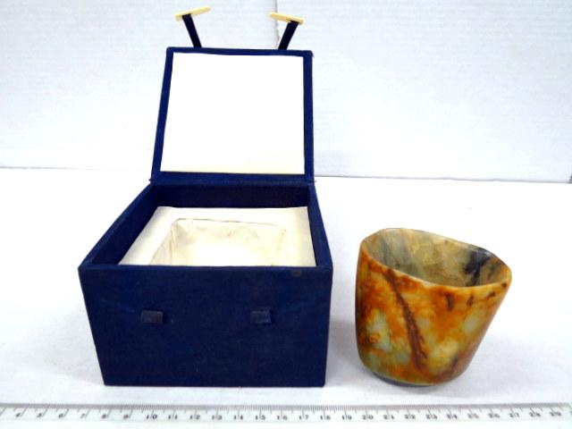 כוס עשויה ג'ייד עתיק, סין תקופת האבן