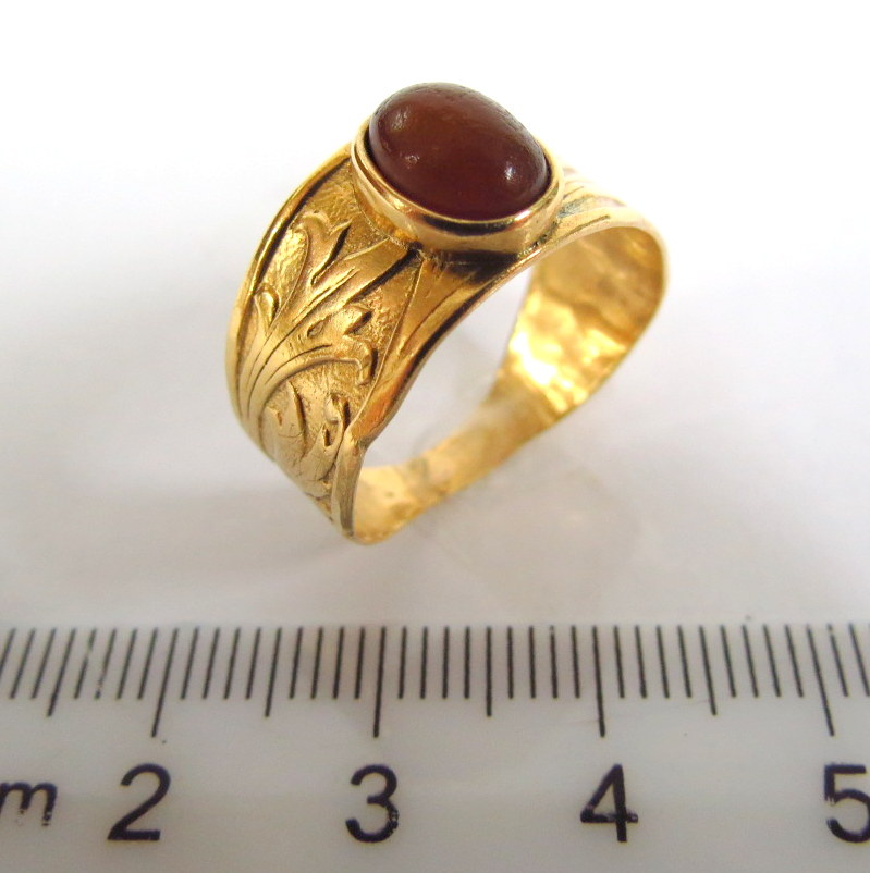 טבעת כסף מצופה זהב 14K עם שיבוץ קורנליאן