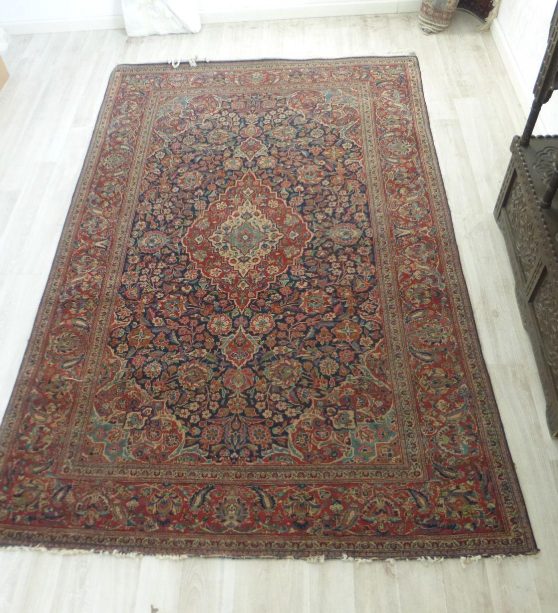 שטיח פרסי עתיק עבודת יד, קאשאן, דוגמת פרחים עם מדליון, 208X132